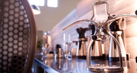 La cafetière Presso fait du café sous pression