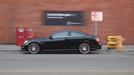 Mercedes publicite trompe l'oeil